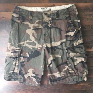 Old Navy broken in cargo shorts camo men's 34